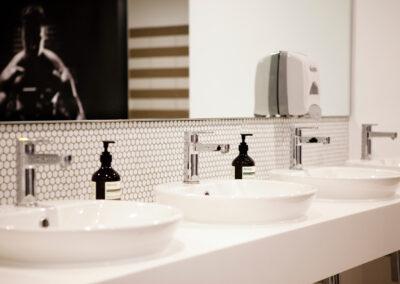 Flow-Bathroom02