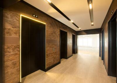 01-aurora-lift-lobby01