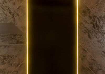 03-aurora-lift-lobby03