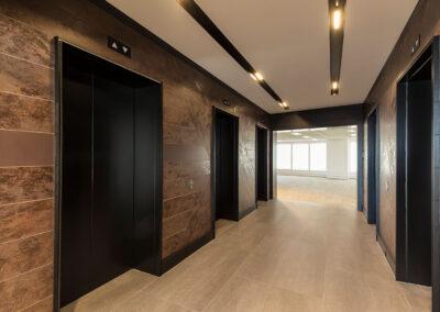 05-aurora-lift-lobby05