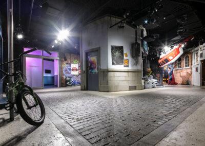 04-Madame Tussauds-Themed Floor & Cyborg Room