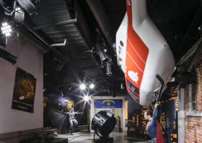 09-Madame-Tussauds-Superman-Helicopter-02