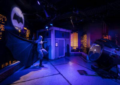 12-Madame Tussauds-Batman & Bat Signal