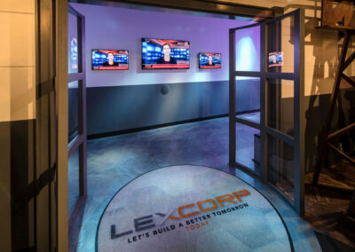 15-Madame Tussauds-Lexcorp Entry